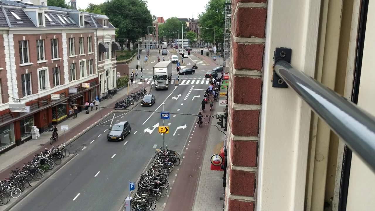 Как велосипеды спасают центр Амстердама в час пик