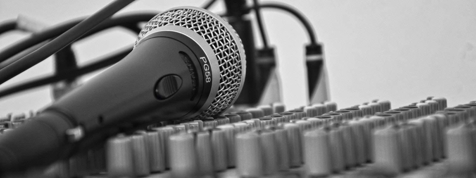 Как научиться петь и не бояться караоке