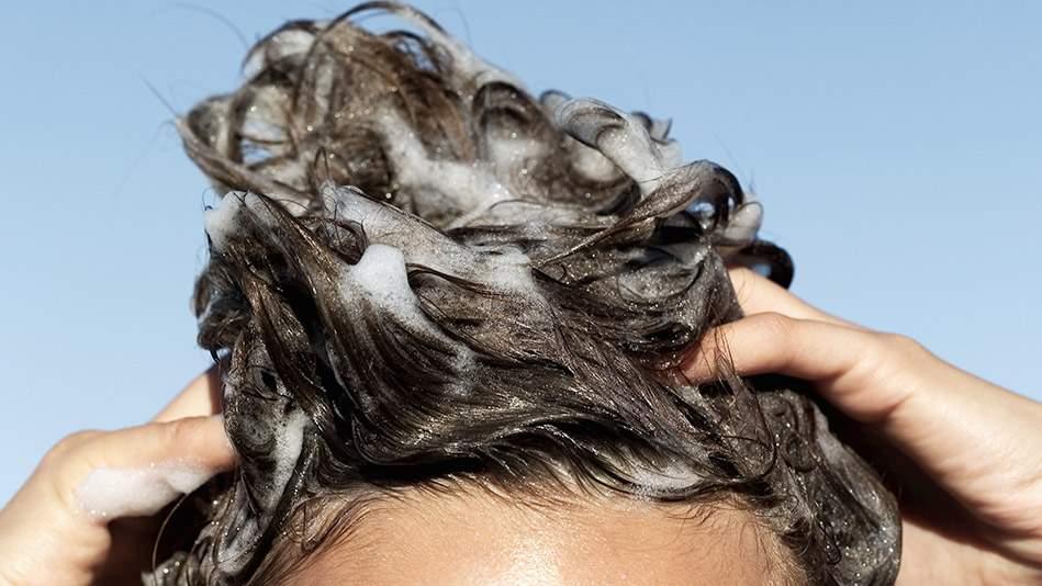 Как правильно выбирать шампунь и другие средства для волос?