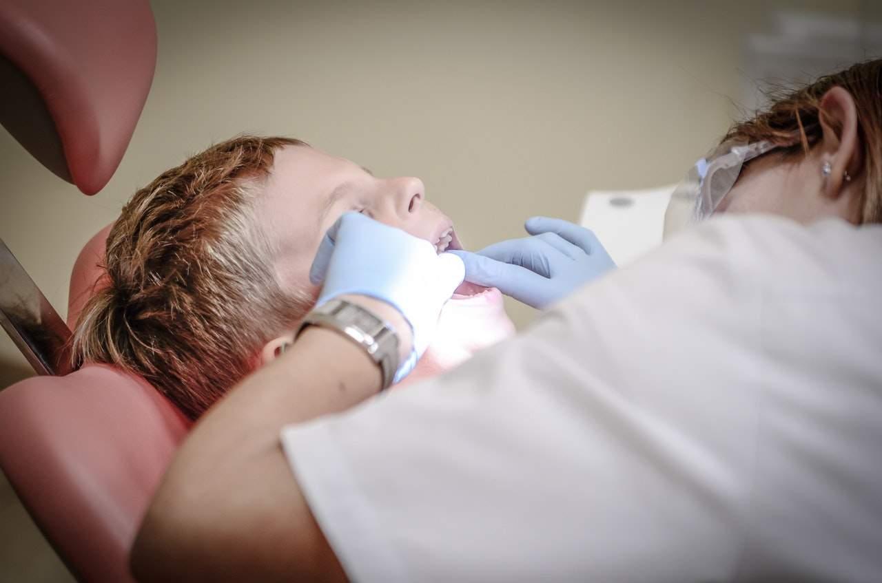 7 причин, когда стоит срочно посетить стоматолога